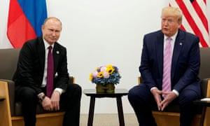 Donald Trump y Vladimir Putin en la cumbre de líderes del G20 en Japón en junio de 2019