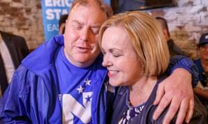 La líder nacional Judith Collins se reunió con los voluntarios de la campaña el último día antes de las elecciones.