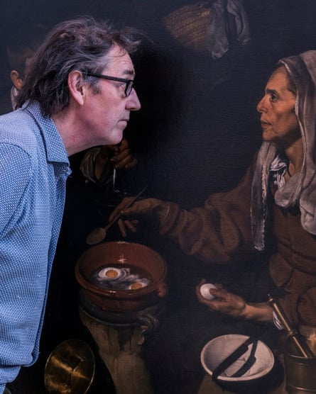 """""""Ver de nuevo""""… Adam Lowe y un facsímil de prueba de Una anciana cocinando huevos de Velázquez."""