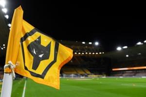 Una bandera de esquina en Wolves