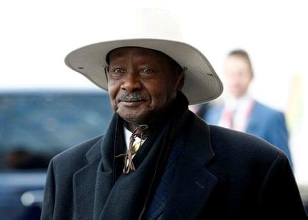El presidente de Uganda, Yoweri Museveni, ha estado en el poder durante 34 años.
