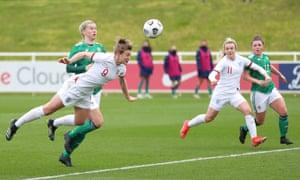 White anota el segundo gol de Inglaterra.