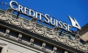 El logotipo del banco suizo Credit Suisse se puede ver en su sede en Zúrich, Suiza, el 24 de marzo de 2021.