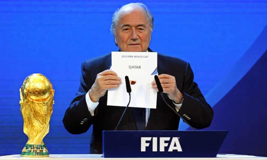Sepp Blatter, entonces presidente de la FIFA, anunció en diciembre de 2010 que Qatar sería sede de la Copa del Mundo de 2022.