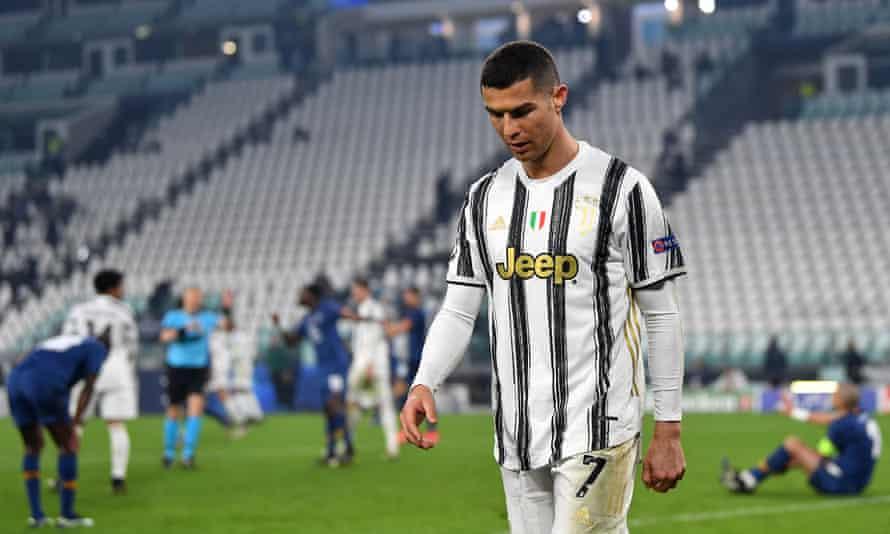 Cristiano Ronaldo fue el responsable del gol del Oporto, con el balón atravesando sus piernas antes de colarse hacia el primer palo.