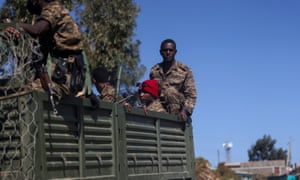 Tropas etíopes de patrulla en Tigray