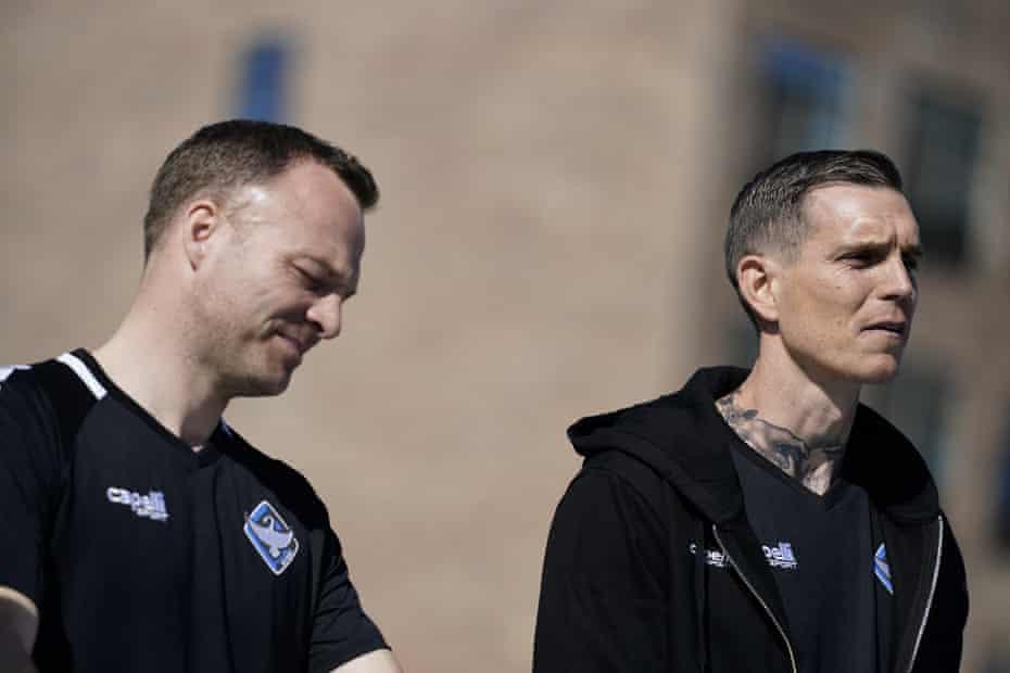 Daniel Agger (derecha) y Lars Jacobsen se revelan como entrenadores entrantes de HB Køge.