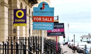 Signos de agentes inmobiliarios en Brighton, Reino Unido