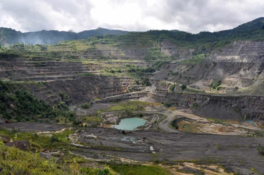 La mina Panguna desató una guerra civil que duró una década en la Región Autónoma de Bougainville en Papúa Nueva Guinea.