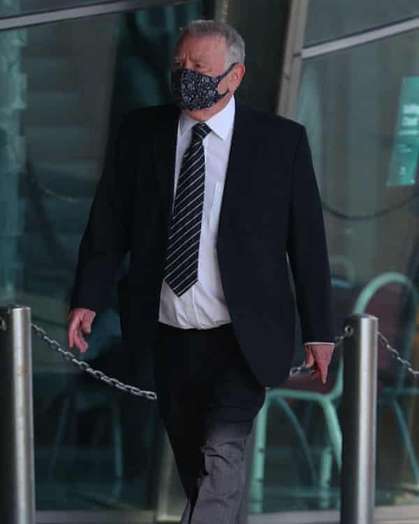 El abogado retirado Peter Metcalf.