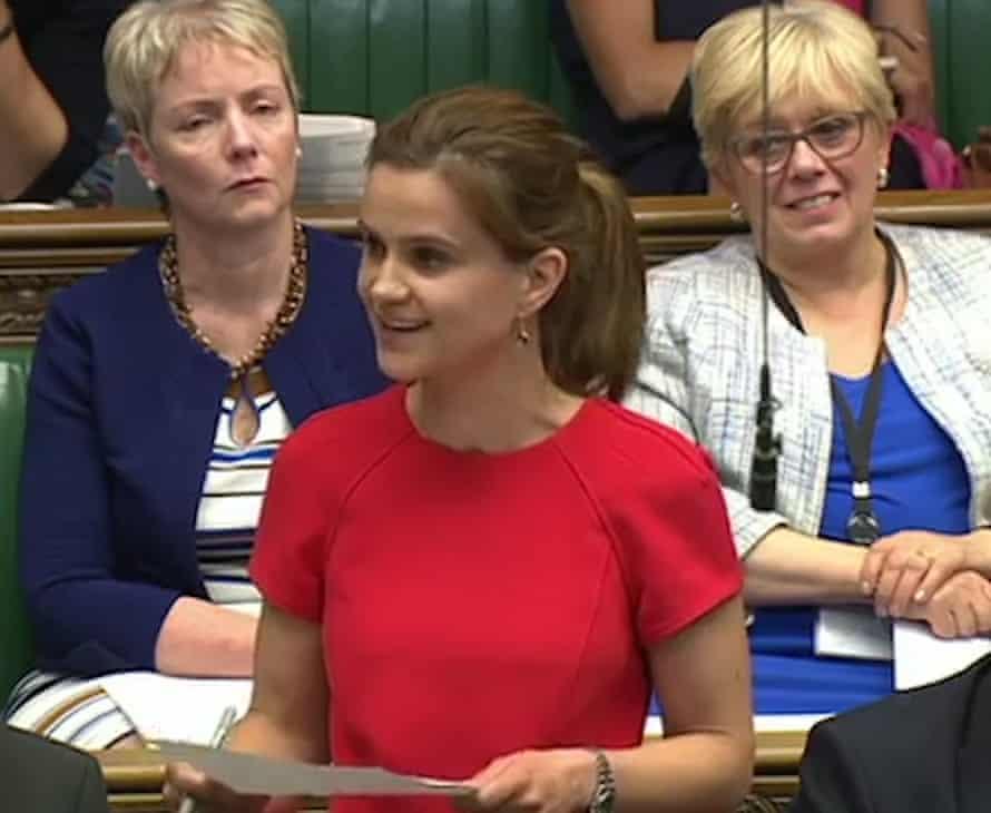 La diputada laborista Jo Cox pronuncia su primer discurso en la Cámara en junio de 2015