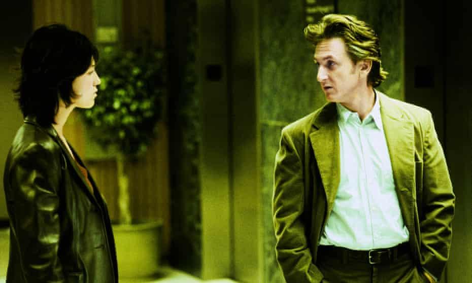 Charlotte Gainsbourg y Sean Penn en 21 gramos.