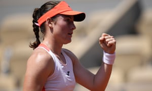 La eslovena Tamara Zidansek celebra tras ganar el primer set.