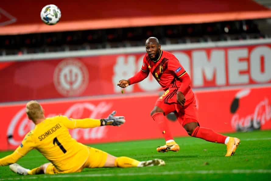 Romelu Lukaku marca en la Nations League de Bélgica contra Dinamarca