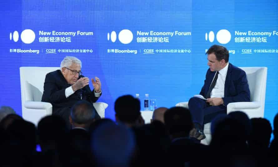 Kissinger en el escenario