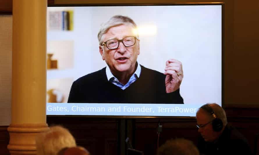 El fundador y presidente de TerraPower, Bill Gates, habla a través de un enlace de video en el lanzamiento en Cheyenne.