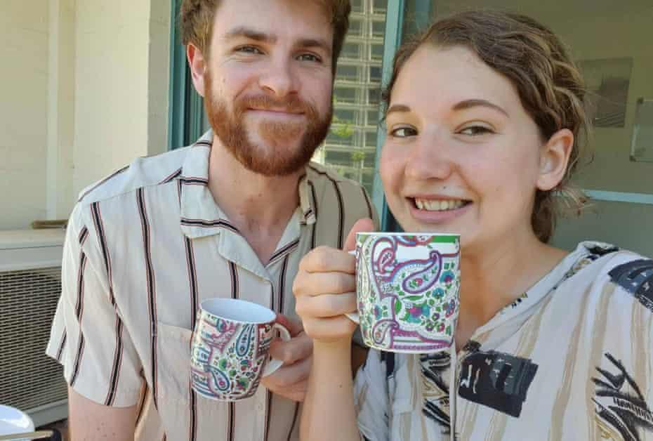 Hayden Starr y su novia Sophie, que se conocieron como vecinos y se enamoraron