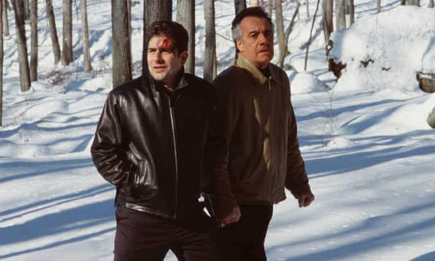Si vas al bosque hoy ... Christopher y Paulie en Pine Barrens.