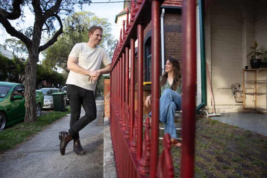 Melissa Mason y Tom Falkner se conocieron a través de un sitio de citas en línea y vivieron a una calle de distancia.