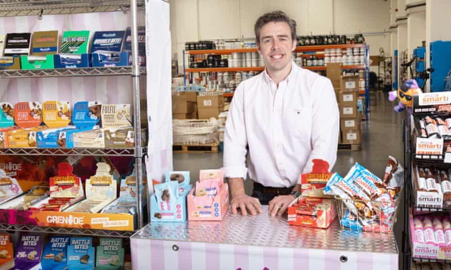 Muchos bocadillos… Anthony Rodgers en su tienda Protein Pick and Mix.