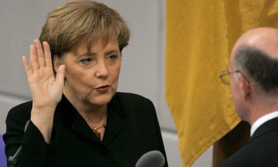 Angela Merkel juró como nueva canciller en 2005.
