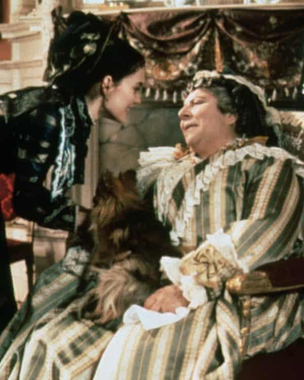 Margolyes con Winona Ryder en The Age of Innocence, 1993.