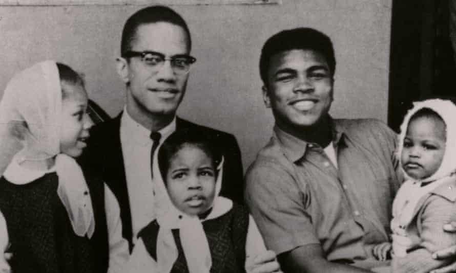 Malcolm X y Muhammad Ali con sus hijos