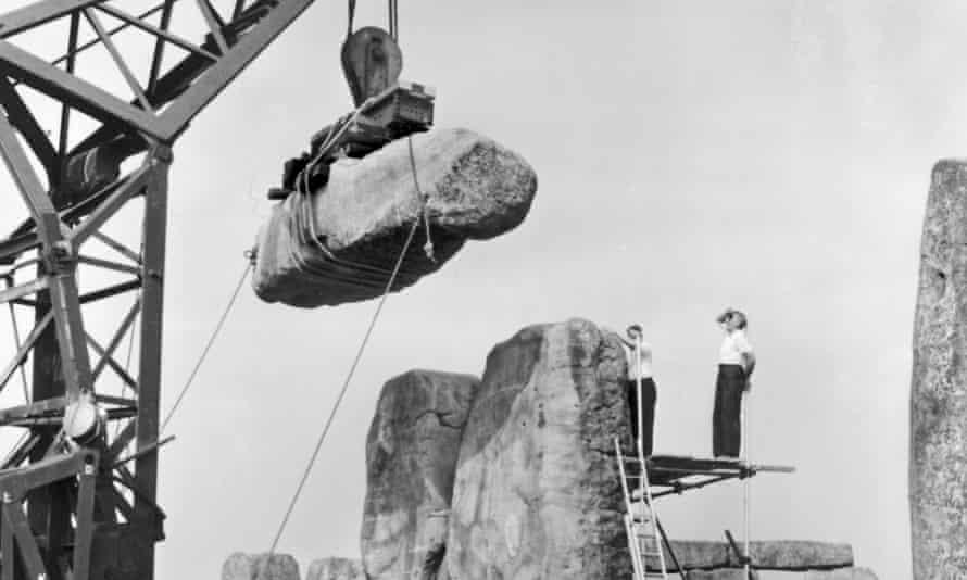 Los ingenieros y artesanos excavarán el concreto utilizado para las reparaciones en 1958 y lo reemplazarán con un mortero de cal más tolerante y transpirable.