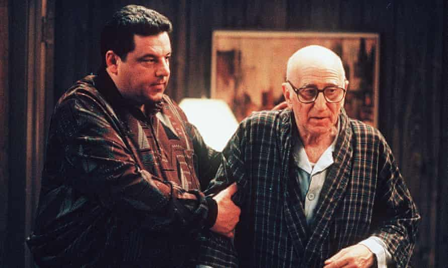 Relacionado con la edad ... Bobby y el tío Junior.