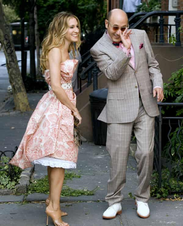 Sarah Jessica Parker y Willie Garson filman en el set de Sex and the City.